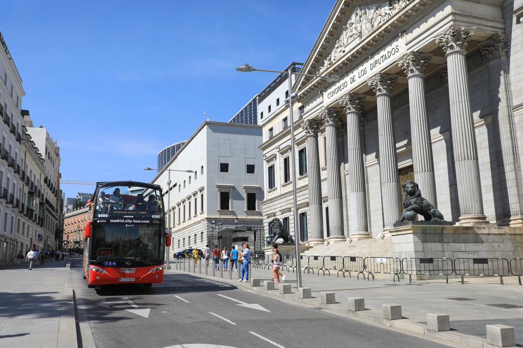 hop-on hop-off bus in Madrid